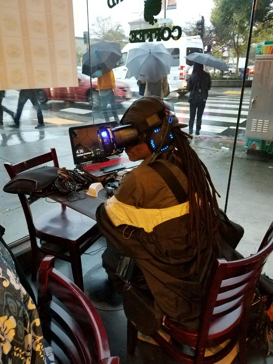 Cyberpunk decker na vida real